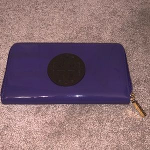 Tory Burch Patent Leather Zip Continental Wallet